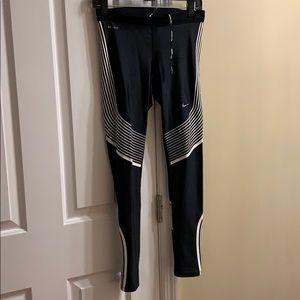 Nike running leggings Dry fit black/white graphics